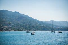 Vista del mare di Cefalu in Sicilia Fotografia Stock Libera da Diritti