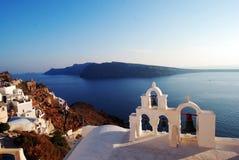 Vista del mare di OIA nell'isola di Santorini, Grecia immagine stock