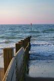 Vista del mare e del frangiflutti Immagini Stock Libere da Diritti