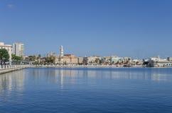 Vista del mare e della città di Bari, Puglia, Italia Immagini Stock Libere da Diritti