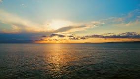 Vista del mare su una sera piacevole di estate video d archivio