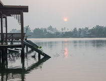Vista del mercado flotante de Amphawa, Amphawa, Tailandia Imagen de archivo