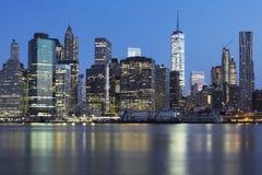 Vista del Midtown di New York Manhattan al crepuscolo immagine stock