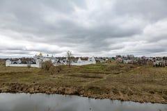 Vista del monasterio de Pokrovsky, Suzdal, Rusia foto de archivo libre de regalías