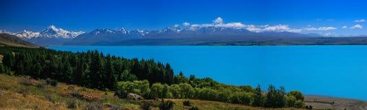 Vista del Mt Cuoco dal lago Pukaki, Nuova Zelanda Immagini Stock