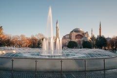 Vista del museo di Hagia Sophia Ayasofya da Sultan Ahmet Park a Costantinopoli, Turchia Fotografie Stock Libere da Diritti
