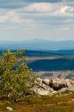 Vista del paesaggio dalla montagna fotografia stock