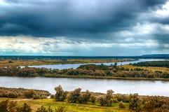 Vista del paesaggio del fiume Irtysh dalla Russia superiore Siberia Fotografie Stock Libere da Diritti