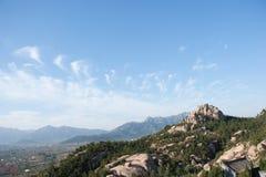 Vista del paesaggio della catena montuosa a Qingdao Cina Fotografia Stock
