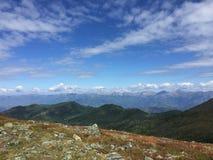 Vista del paesaggio della cresta delle montagne La Russia, Siberia, montagne di Altai fotografie stock libere da diritti