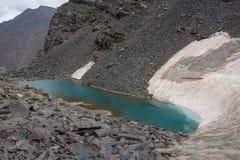 Vista del paesaggio della montagna nel Kirghizistan fotografia stock