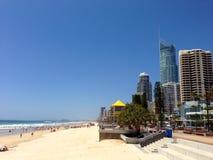 Vista del paesaggio della spiaggia di paradiso dei surfisti Immagine Stock