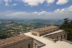Vista del paesaggio di San Marino L'Italia fotografia stock libera da diritti