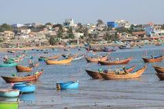 Vista del paesino di pescatori del Ne di Mui nel Vietnam Immagini Stock Libere da Diritti