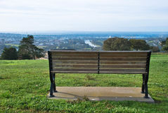 Vista del parco dal banco Fotografia Stock Libera da Diritti