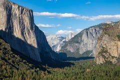 Vista del parco di Yosemite dalla vista del tunnel Immagini Stock