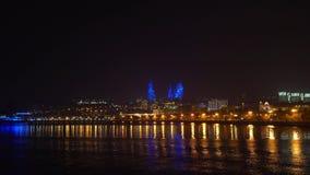 Vista del parque de playa nacional en la noche, ciudad de Baku, Azerbaijan almacen de metraje de vídeo