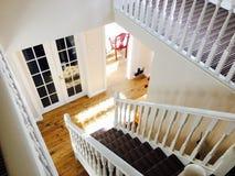 Vista del pasillo y de escaleras Imágenes de archivo libres de regalías
