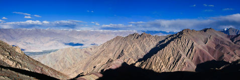 Vista del passaggio di NamnungLa, viaggio di Stok Kangri, Ladakh, India fotografia stock