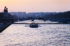 Vista del pont Alejandro iii en París Foto de archivo libre de regalías