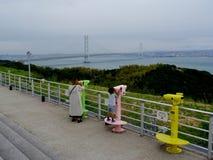 Vista del ponte del  di Akashi KaikyÅ sull'isola di Awaji fotografie stock libere da diritti
