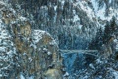 Vista del ponte del ` s di Queen Mary dal castello del Neuschwanstein nell'inverno Fotografie Stock