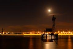 Vista del porto a Amburgo. Immagine Stock