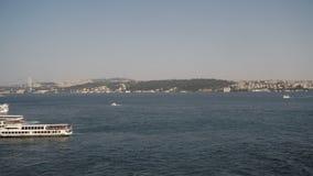 Vista del porto da un balcone stock footage