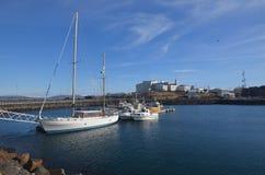 Vista del porto dall'allerta di Sugandisey in Islanda Immagine Stock Libera da Diritti