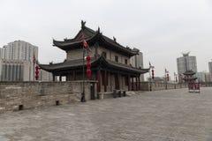 Vista del posto di guardia di Xian i bastioni della parete - Imagen fotografia stock