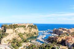 Vista del prince& x27; palacio de s en Monte Carlo en un día de verano, Foto de archivo