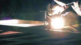 Vista del proceso de soldadura del argón metrajes