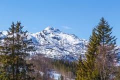 Vista del pueblo de Hemsedal del centro turístico Foto de archivo libre de regalías