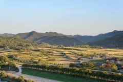 Vista del pueblo de la gente de Andong Hahoe Foto de archivo libre de regalías