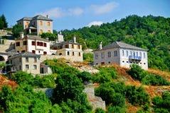 Vista del pueblo de Vitsa en el área de Zagoria imagenes de archivo