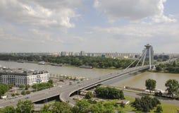Vista del puente de la sublevación nacional eslovaca foto de archivo