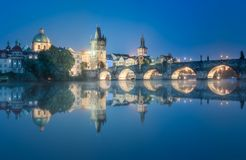 Vista del puente Praga, República Checa de Charles fotos de archivo libres de regalías