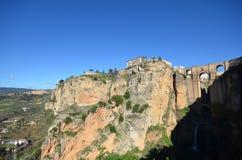 Vista del puente Ronda España de la garganta Foto de archivo