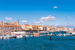 Vista del puerto con los yates, Sete, Francia Copie el espacio para el texto imagen de archivo libre de regalías