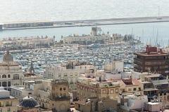 Vista del puerto de Alicante en España Fotos de archivo