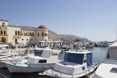 Vista del puerto de Kalymnos, Grecia fotos de archivo