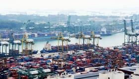 Vista del puerto de Singapur Fotos de archivo