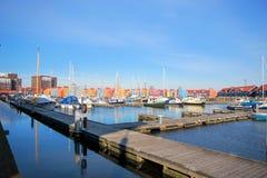 Vista del puerto del puerto deportivo Fotos de archivo libres de regalías