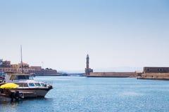 Vista del puerto veneciano de Chania Crete, Grecia imagen de archivo libre de regalías