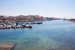 Vista del puerto veneciano de Chania Crete, Grecia imagen de archivo