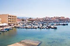 Vista del puerto veneciano de Chania Crete, Grecia fotografía de archivo
