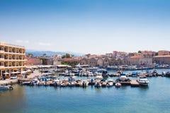 Vista del puerto veneciano de Chania Crete, Grecia foto de archivo libre de regalías