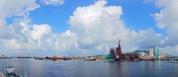Vista del puerto y de la bahía de Gaoxiong Imagen de archivo libre de regalías