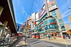 Vista del quadrato di Yonge-Dundas a Toronto Fotografie Stock