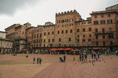 Vista del quadrato principale del ` di Piazza del Campo del ` nel centro urbano di Siena Fotografie Stock Libere da Diritti